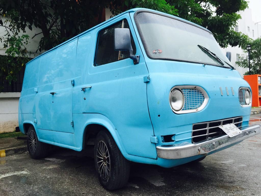 Cancun - Old Car