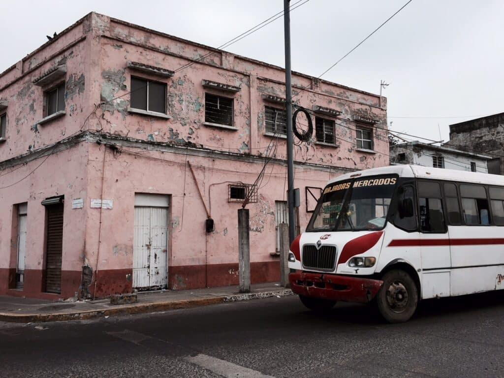 Veracruz, geweldig die oude gebouwen plus idem dito busvervoer