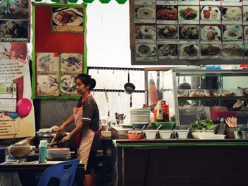 Foodcourt, de place-to-be voor een € 1,75 biefstukje...