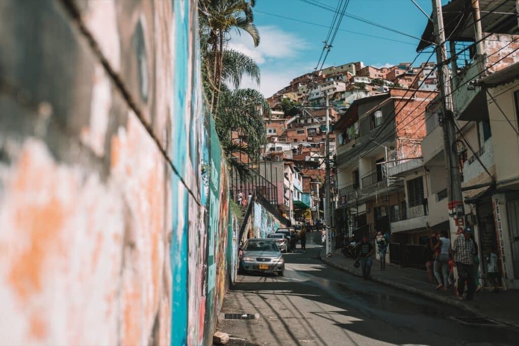 Eerste aanblik van de wijk Comuna 13