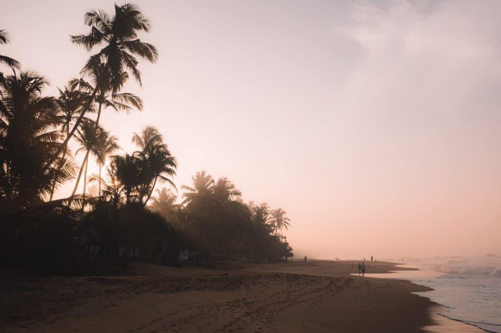 Zonsopkomst aan het strand
