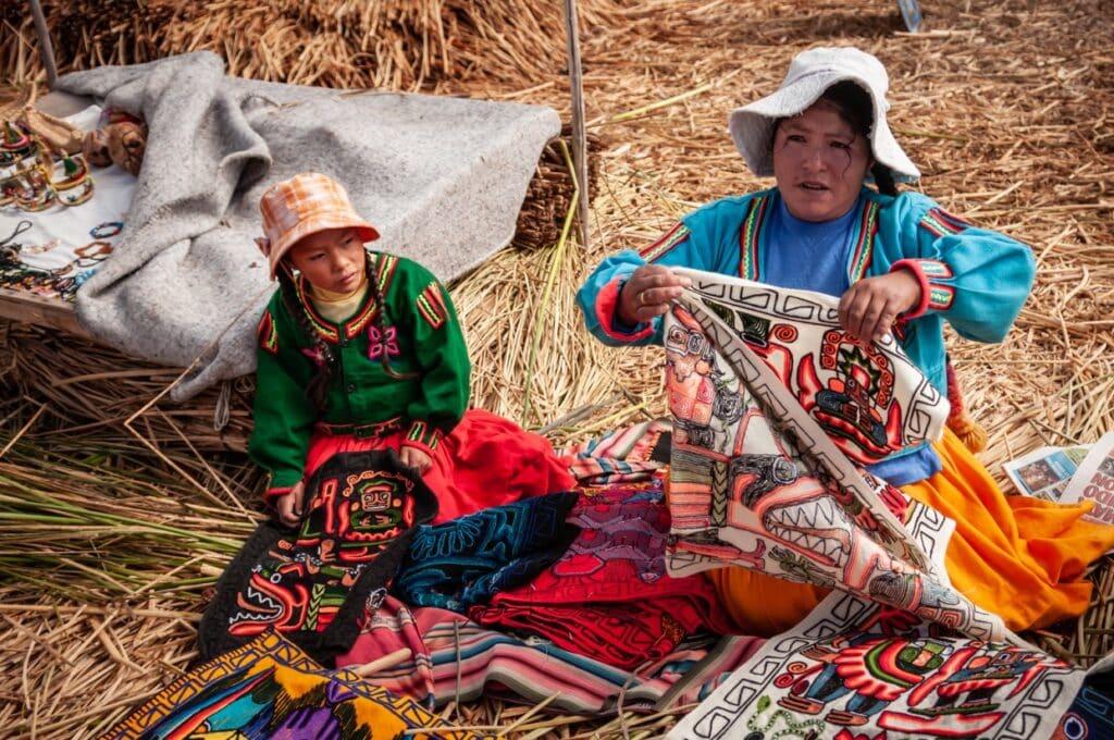 De Reizigers Lake Titicaca verkoopsters