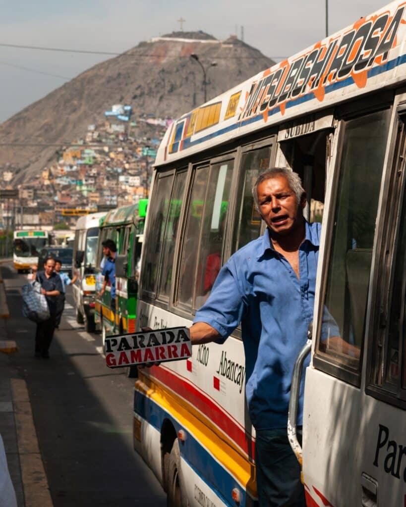 De Reizigers Lima bus