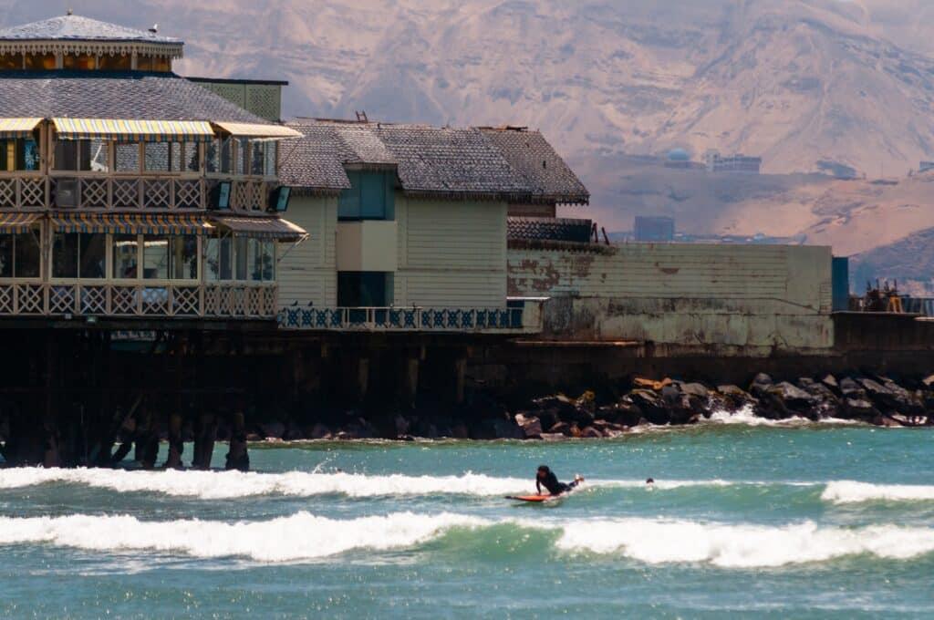 De Reizigers Lima surf
